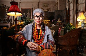 iris apfel at home